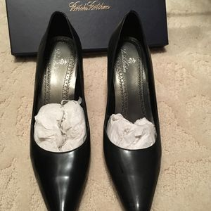 Brooks Brothers 8.5 patent leather high heels